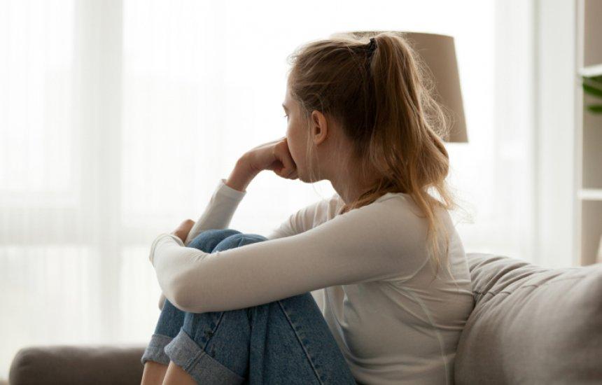 [7 dicas para lidar com os sintomas da autoestima baixa e reconhecê-la]