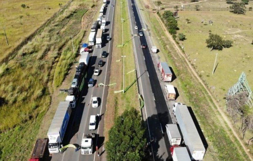 [Greve dos caminhoneiros: com adesão baixa, protestos começam em 15 estados]
