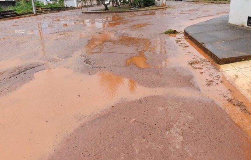['Pedimos solução urgente e asfalto de boa qualidade', diz morador de Arembepe]