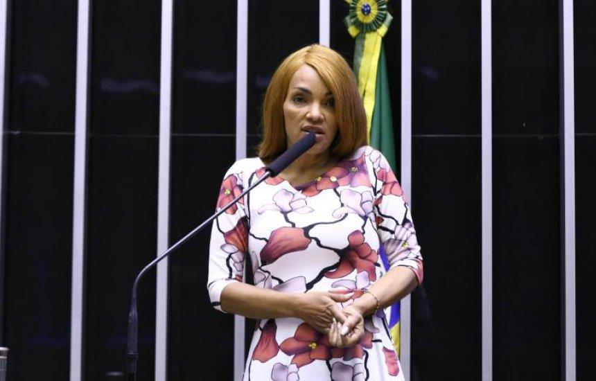 [Flordelis é expulsa do PSD por decisão do diretório nacional da legenda]