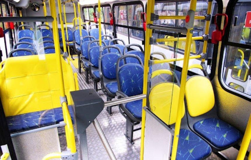 ['Estamos sem transporte público', diz moradora de Camaçari]