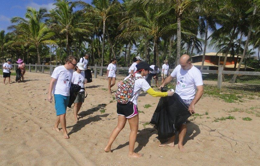 [Ação ecológica limpa praia de Busca Vida neste sábado (18)]