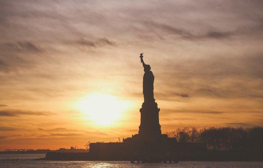 [EUA vão liberar entrada de viajantes do Brasil vacinados]