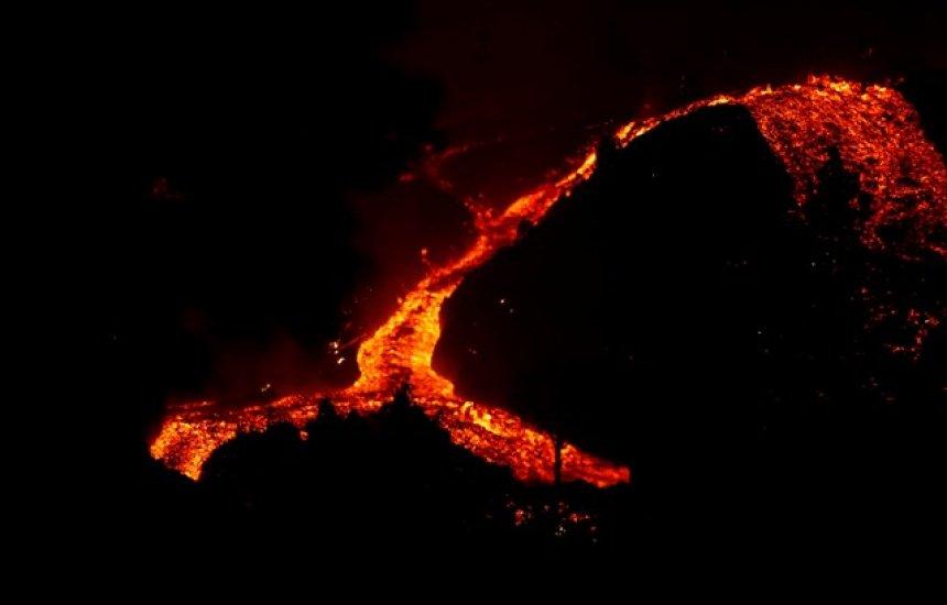 [Erupção do vulcão que poderia causa tsunami na Bahia pode durar mais de 80 dias]