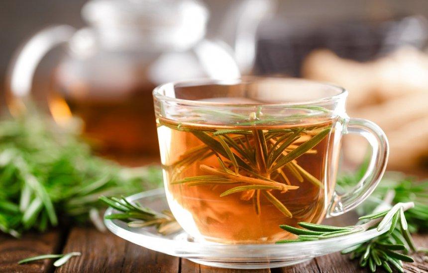 [Nutricionista indica chá que acaba com barriga estufada depois das refeições]