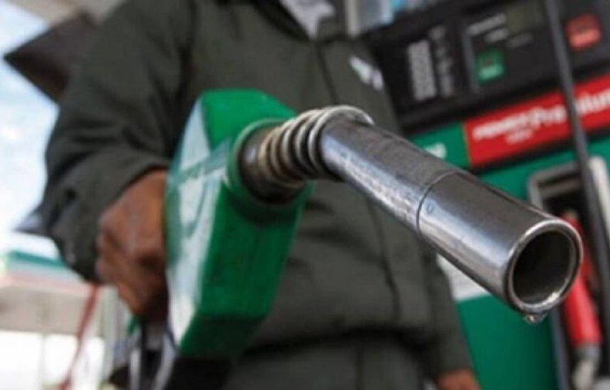 [Gasolina vai subir de novo e Bolsonaro afirma que governo não interferirá no preço de combustíveis]