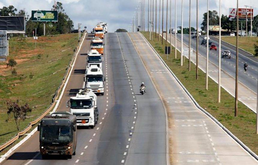 [Com ameaça de greve de caminhoneiro, transportadoras dizem a ministro que não terá desabastecimento]